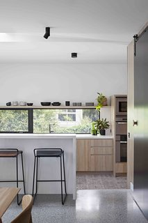 A Remodel Turns a Dark and Choppy House in Melbourne Into a Bright, Flexible Family Home - Photo 6 of 16 -