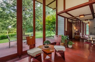 The Frank Lloyd Wright-Designed Louis Penfield House in Ohio Is For Sale For $1.3M - Photo 6 of 16 -
