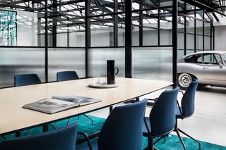 An Art Deco Warehouse in Melbourne Is Converted Into a Shared Office Space - Photo 6 of 14 -