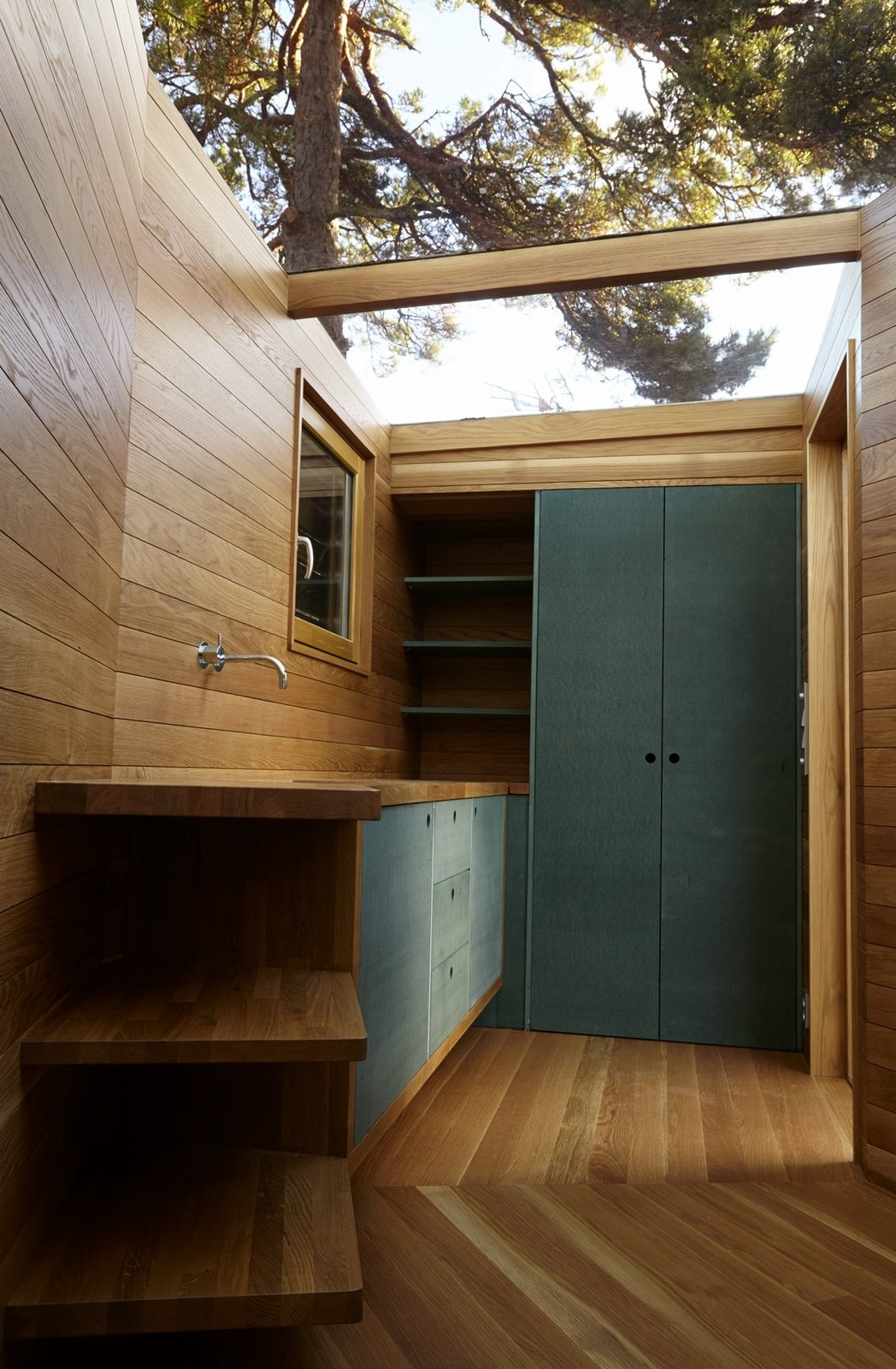 Outdoor, Shower Pools, Tubs, Shower, and Wood Fences, Wall  Photo 7 of 10 in A Tiny Bathhouse on the Norwegian Island of Hankø Made With Sustainable Softwood
