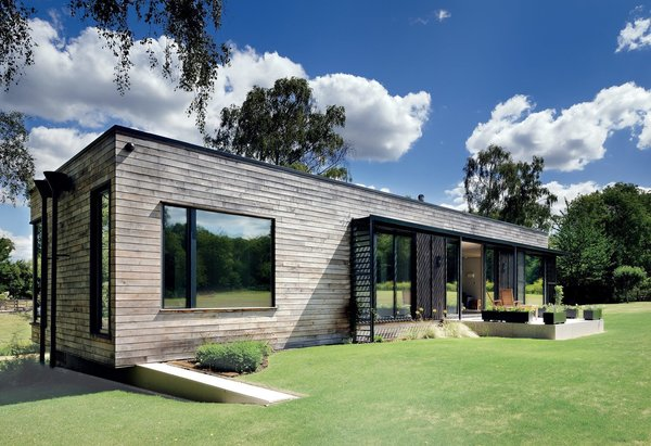 """Exterior To circumvent planning regulations in an English historic park site, PAD Studio created a prefab structure that can be moved by crane. """"The whole building is based around a steel frame, which provides us with the stability to be able to top-lift it easily,"""" explains designer Ricky Evans.  Photo 5 of 8 in 7 Modern Modular and Prefabricated Homes in the UK"""