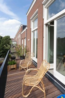 An Old Amsterdam School Is Converted Into 10 Apartments - Photo 14 of 15 -