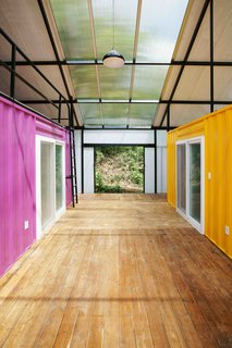 Discover 5 Public Buildings in South Korea Made Out of Shipping Containers - Photo 4 of 10 -