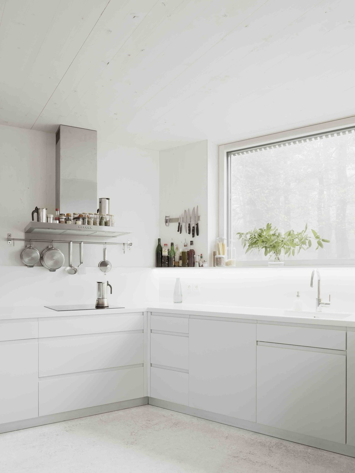 Kitchen, Cooktops, and Range Hood  Photos from A Prefab House Near Paris Is Designed to Be Bright and Open