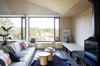 A Bushland Home in Melbourne That's Divided Between Two Pavilions - Photo 6 of 13 -