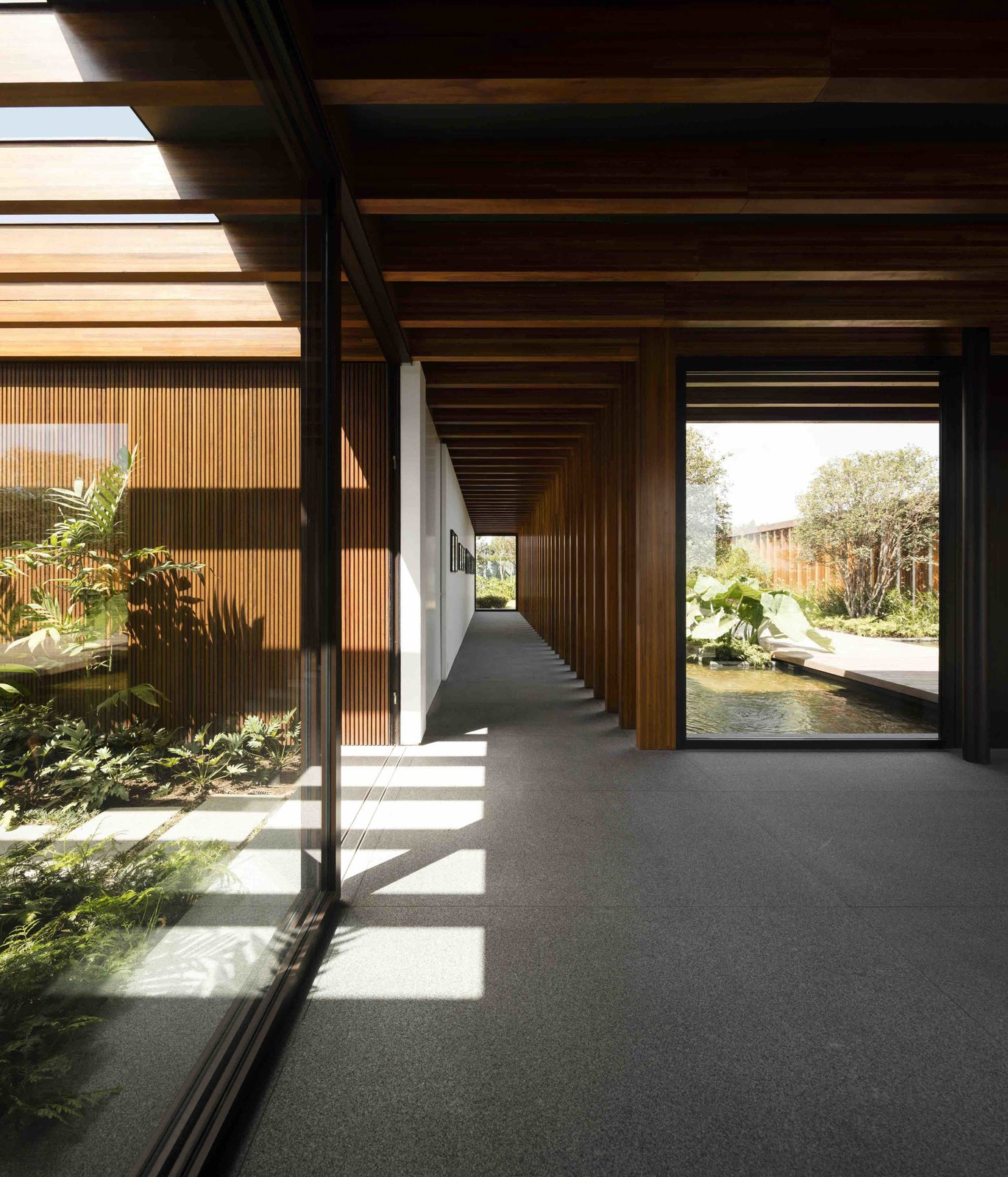 A Brazilian Home With a Touch of Japanese Zen