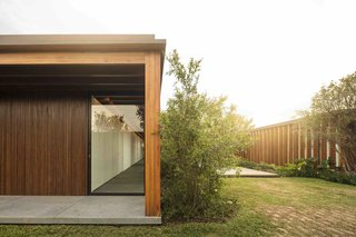 A Brazilian Home With a Touch of Japanese Zen - Photo 3 of 10 -