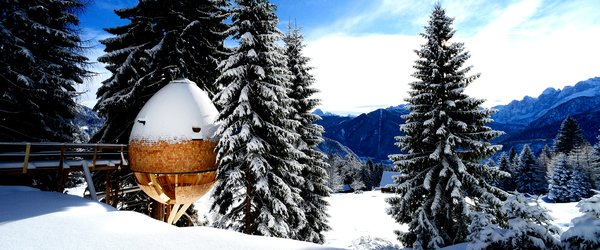 These Tree Houses in the Dolomites Look Like Egg-Shaped Pinecones - Photo 4 of 11 -