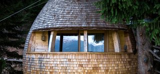 These Tree Houses in the Dolomites Look Like Egg-Shaped Pinecones - Photo 5 of 11 -