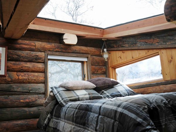 Enjoy the Rest of Fall by Renting One of These Cozy Cabins or Tree Houses