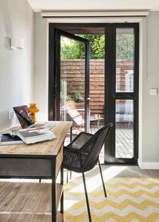 This London Prefab Made of 7 Modules Was Raised in Just One Day - Photo 7 of 9 -