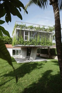 9 Best Homes With Interesting Screened Facades - Photo 18 of 18 -