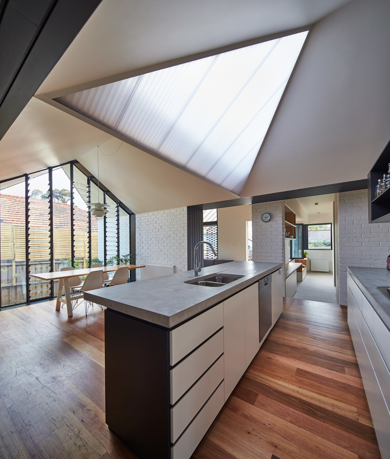 Photo 11 of 13 in A New Hip Roof Rejuvenates a California-Style ...