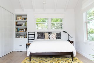 A 1950s California Ranch House Gets a Modern-Farmhouse Makeover - Photo 9 of 17 -