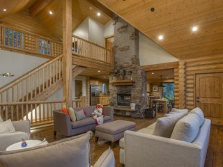 Rent One of These Cozy Cabins For a Ski Trip This Winter - Photo 5 of 9 -