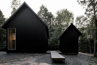A Lofty Nature Retreat in Quebec Inspired by Nordic Architecture - Photo 4 of 16 -