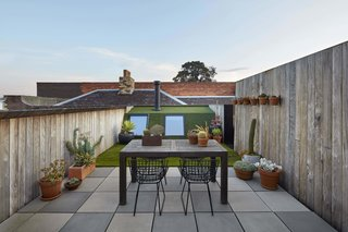 One of Melbourne's Oldest Prefab Timber Cottages Gets a Second Chance - Photo 9 of 12 -