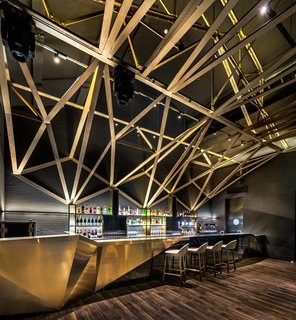 A Hotel in Beijing Fuses Chinese History With Cosmopolitan Style - Photo 10 of 18 -