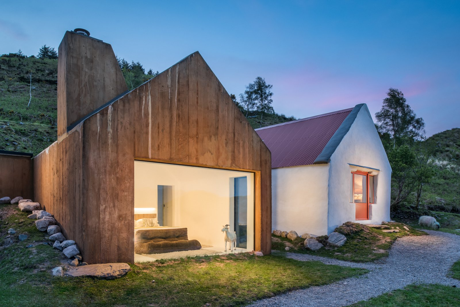 Exterior, Cabin Building Type, Wood Siding Material, Gable RoofLine, and Stucco Siding Material  Photo 1 of 14 in 7 Vacation Rentals in Ireland That Put a Spin on the Classic Cottage