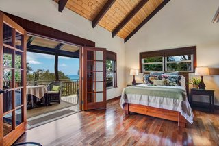 9 Vacation Rentals That Will Make You Want to Book a Flight to Hawaii - Photo 9 of 9 -