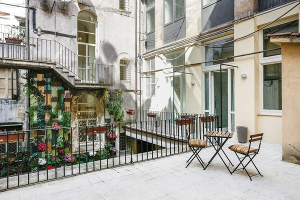 7 Places to Rent For the Perfect Roman Holiday