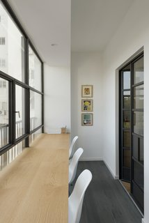 Graphic Design Guides an Apartment Renovation in Tel Aviv - Photo 6 of 14 -