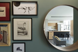 Graphic Design Guides an Apartment Renovation in Tel Aviv - Photo 13 of 14 -