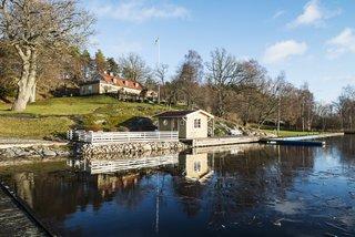 Greta Garbo's Swedish Island Villa Is Up For Sale - Photo 3 of 21 -