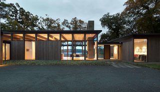 Elements of modernism has been integrated within the design of this Minnesota residence.