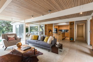 The home exemplifies the indoor/outdoor lifestyle of Southern California.
