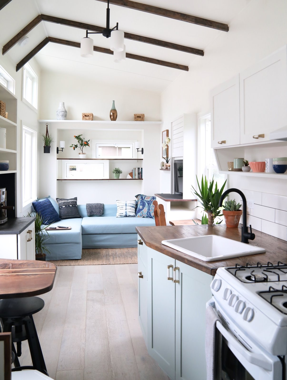 This Tiny Trailer Home Boasts Soothing Beach Vibes