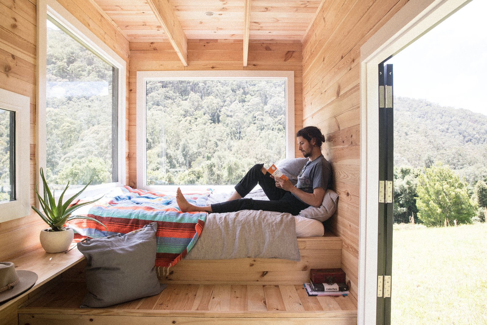 Unyoked offers four tiny houses in Sydney, and two in Melbourne that are both set in thoughtfully chosen sites of natural beauty.