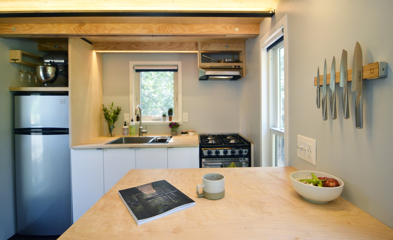 A small but fully-equipped kitchen.