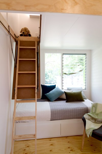 Thanks to the retractable ladder and no built-in furniture or cabinetry in the main living area, a range of layouts and arrangements are possible.