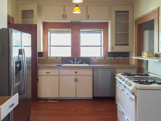 The kitchen was not a space that seemed to encourage cooking, but the Goldmans weren't yet ready for a full remodel, so they did a phase one update.