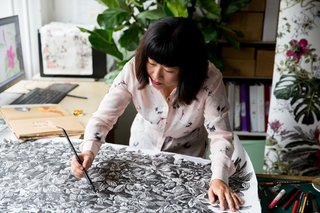 4 Tips to Know When Decorating With Illustrated Wallpaper