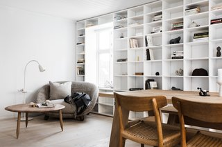 Saunders Custom Designed The Bookshelf In Living Lounge Which Features Shelves That Get