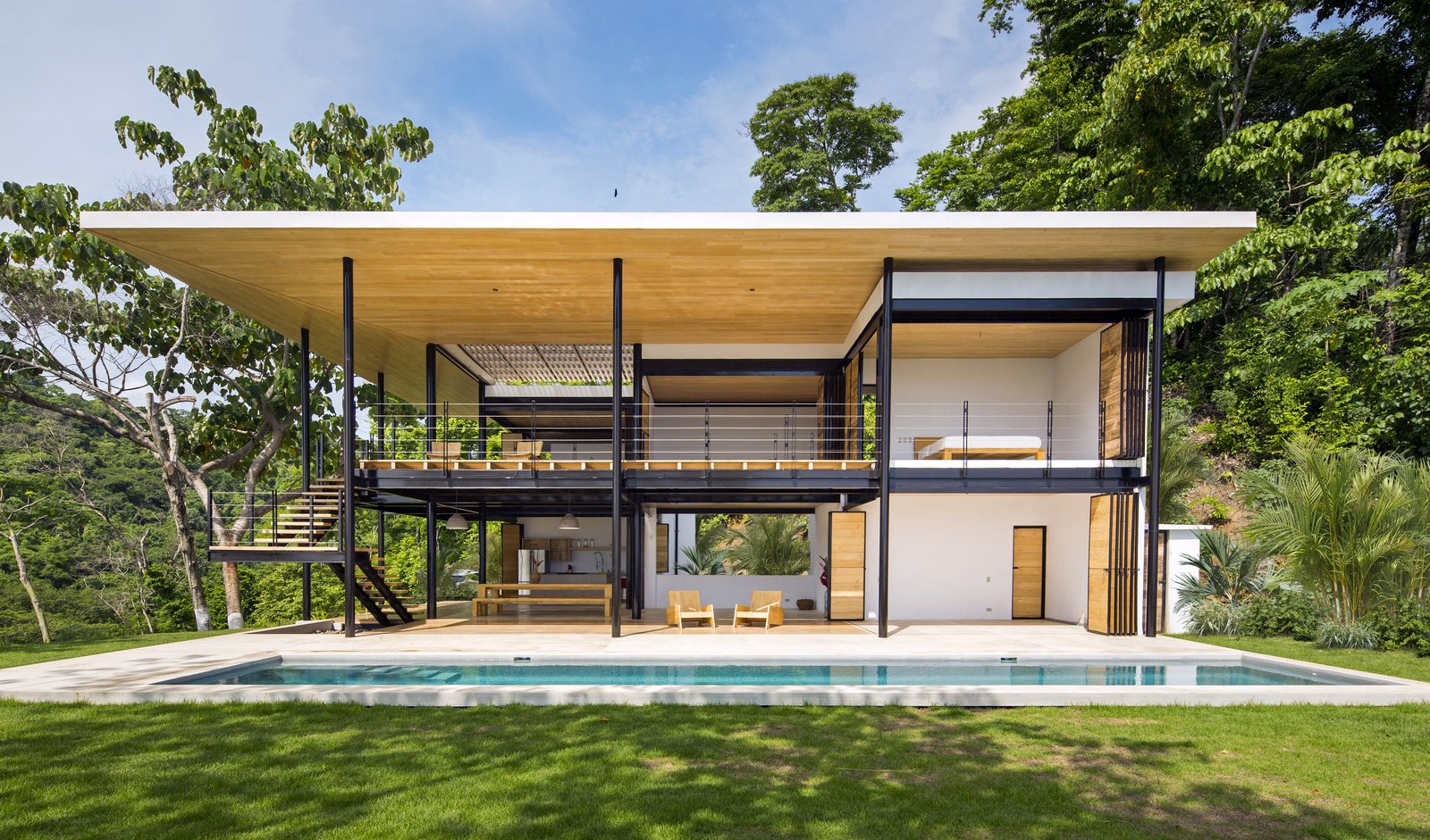 Moveable Walls Amplify Sublime Views For This Costa Rican Home