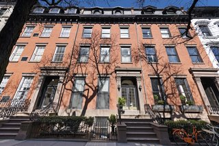 It was in this 142 Columbia Heights flat that renowned American novelist, journalist, essayist, playwright, filmmaker, actor, and liberal political activist Norman Mailer wrote many of his bestselling novels, including The Executioner's Song and Ancient Evenings.