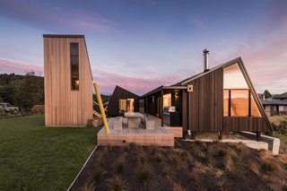 Three Timber Cabins Form a New Zealand Architect's Family Retreat