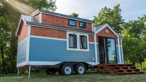 This Svelte Tiny Home Is Being Auctioned For Charity