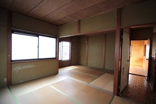 Before: a traditional tatami bedroom.