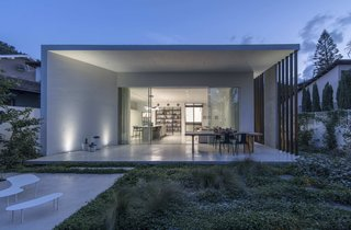Sleek Concrete Cubes Form This Pavilion-Like Home in Israel