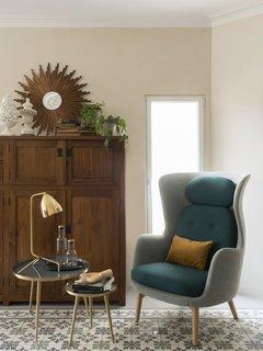 Fritz Hansen armchair; Ox table lamp; auxiliar tables by Meritxell Ribé -The Room Studio.