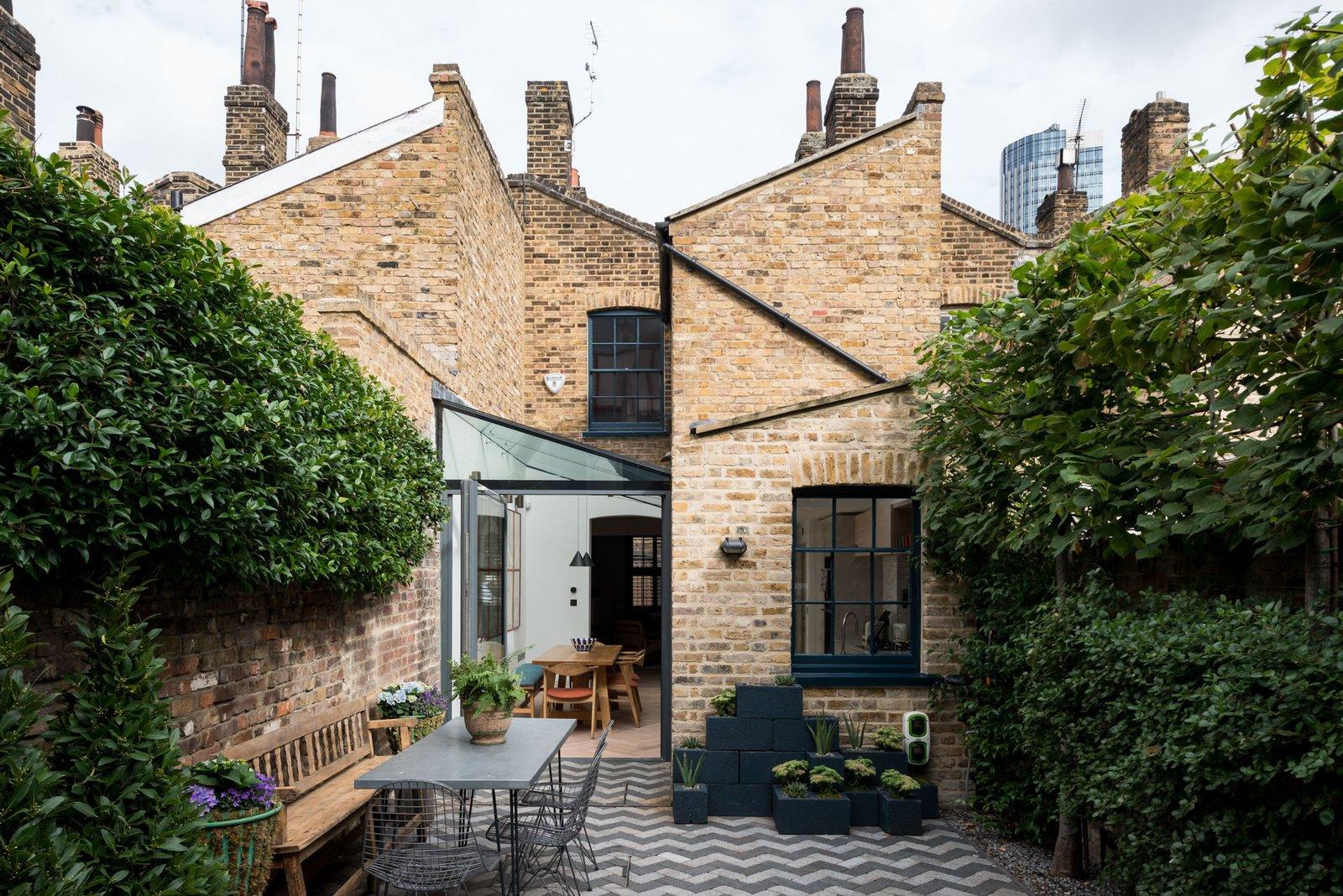 A Gorgeous Georgian-Era Dwelling in London Asks $2.2M