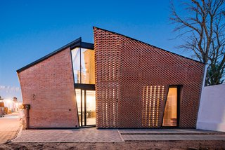 Extruded Red Bricks Create a Gorgeous, Geometric Mexican Home