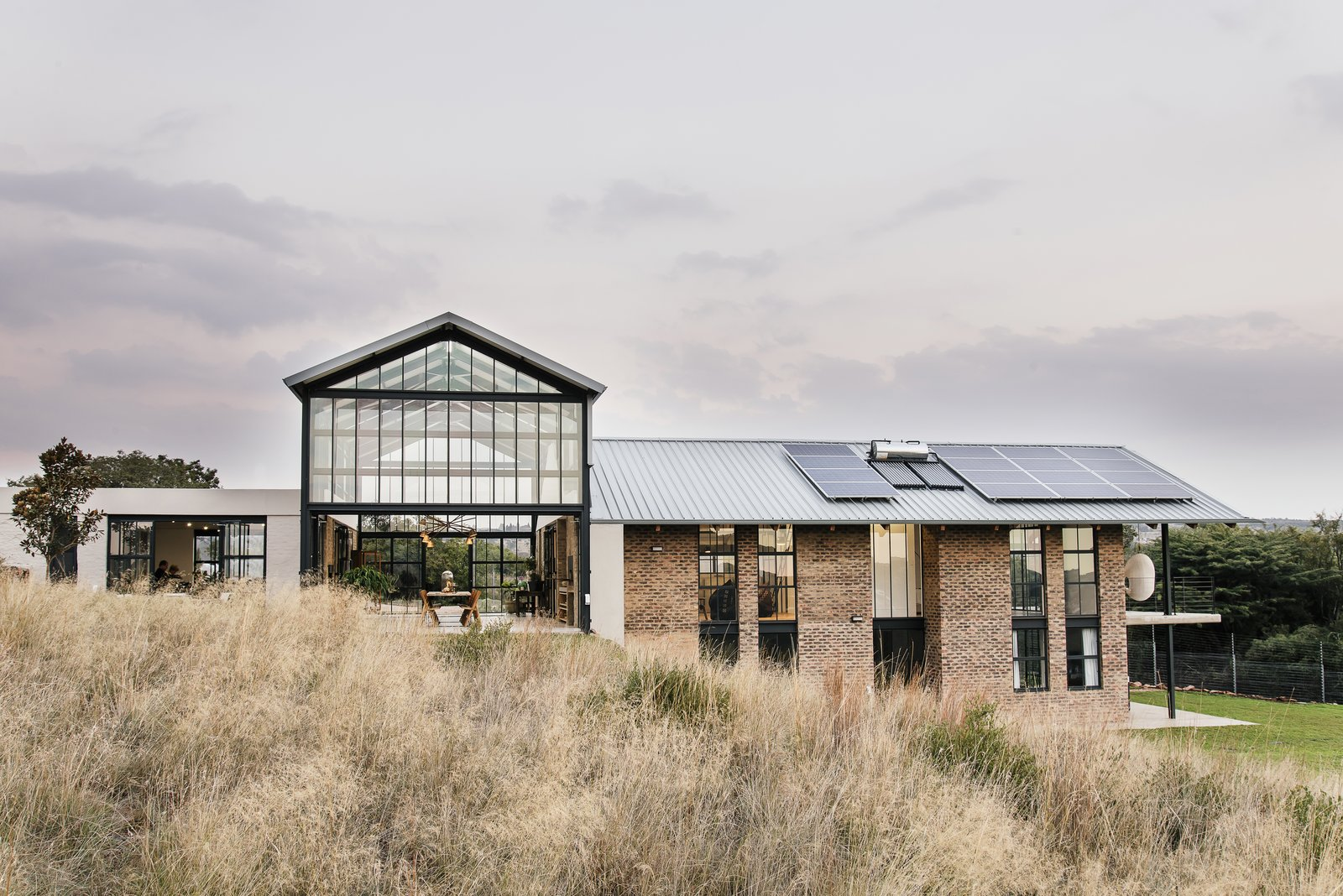 A South African Architect Designs an Off-Grid, Modern Home For Her Parents