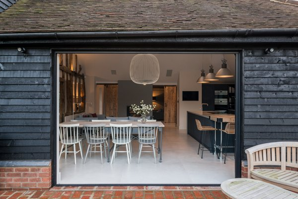 A Beautifully Renovated Barn House Reveals Rustic Roots in South East England