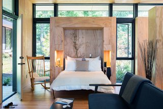16 Modern Murphy Bed Designs That Magically Create More Space