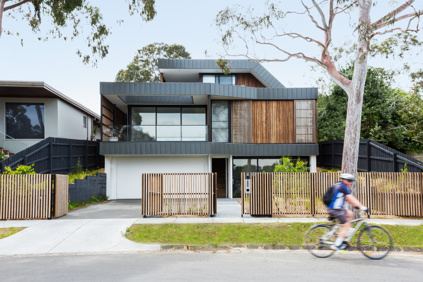 Exterior, House, Flat, Metal, Saltbox, Wood, and Metal  Exterior Metal Saltbox Photos from A Multi-Generational Australian Home Basks in Park Views